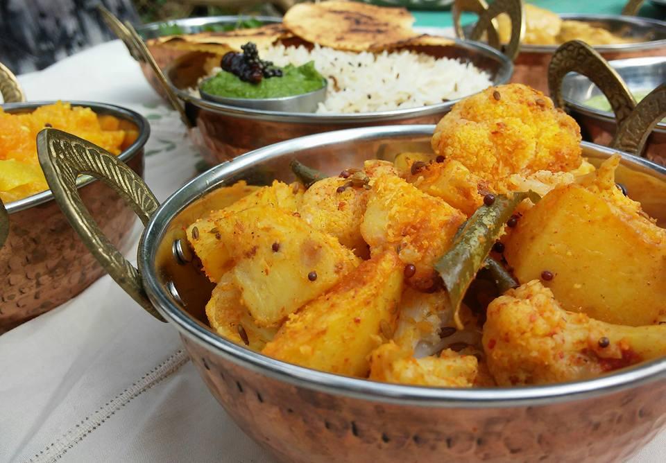 אלו גובי – תבשיל תפוחי אדמה וכרובית הודי בגירסה זריזה בתנור